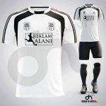 Zed Beyaz-Siyah Dijital Halı Saha Forma